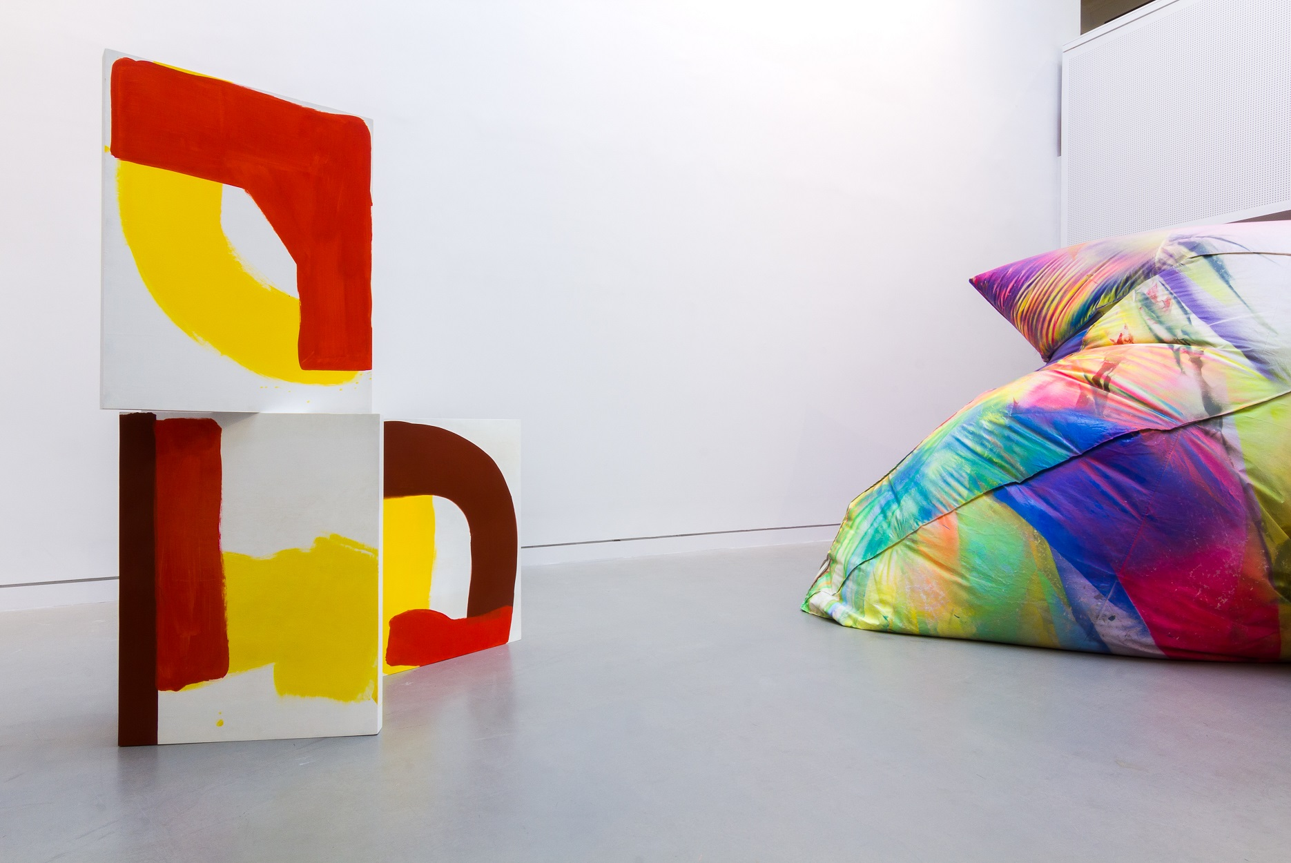 Jessica Warboys_ Box Painting(3)_2013_ (left)_ IMG_2758